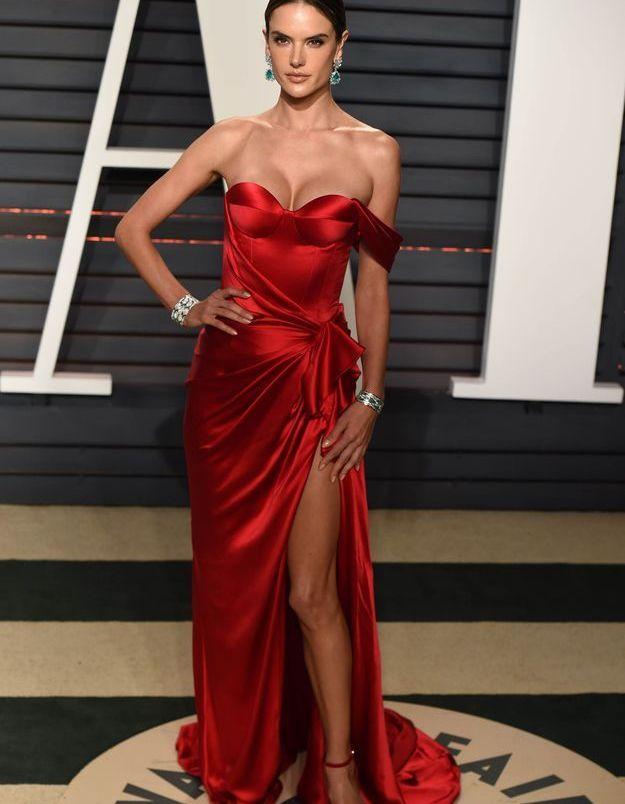 La robe fendue de Alessandra Ambrosio