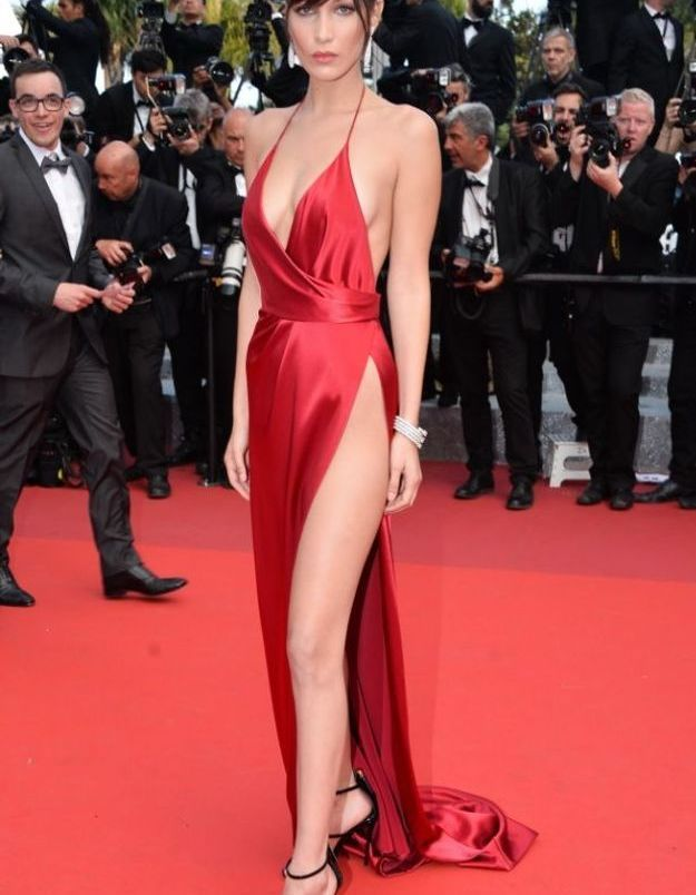 La robe fendue de Bella Hadid