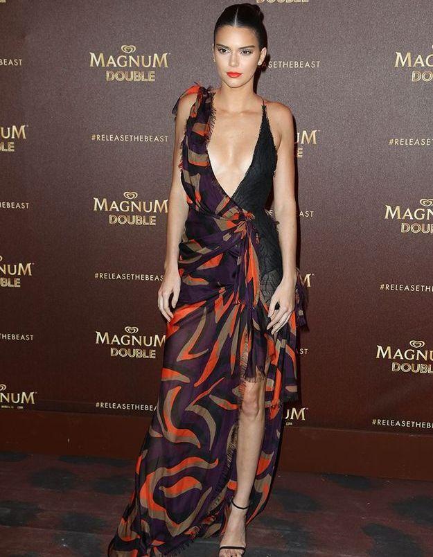 La robe fendue de Kendall Jenner