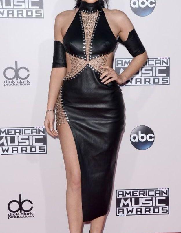 La robe fendue de Kylie Jenner
