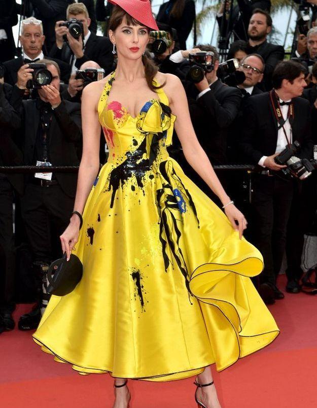 La robe colorée de Frederique Bel