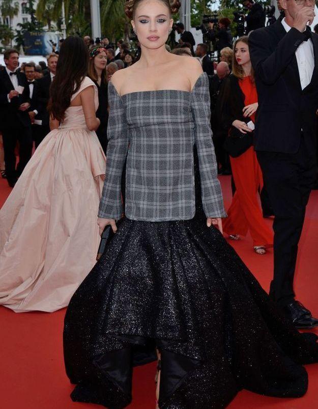 La robe Prince de Galles de Xenia Tchoumitcheva