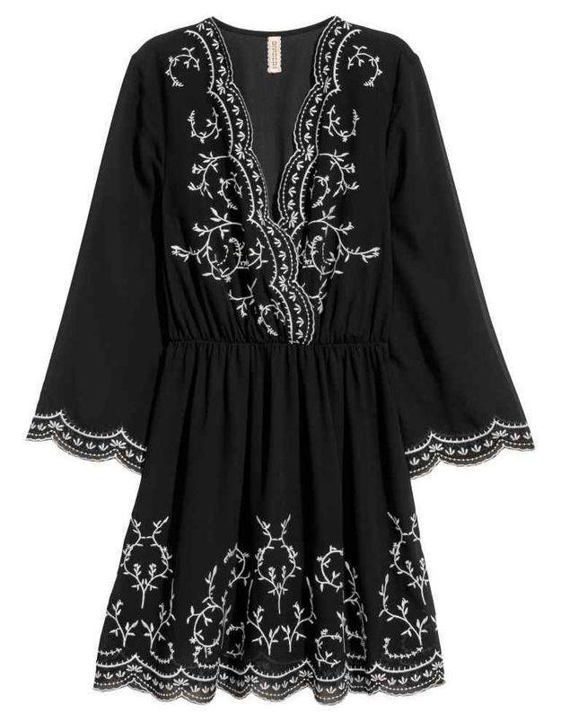 Robe noire brodée H&M