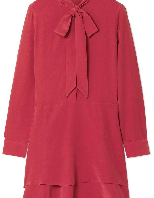 Robe rouge à noeud lavallière Equipment