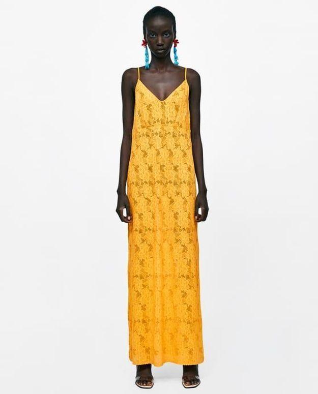 Robe structurée en dentelle Zara