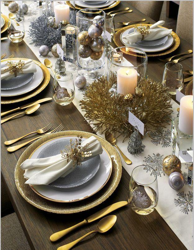 Une table de fête or et argent