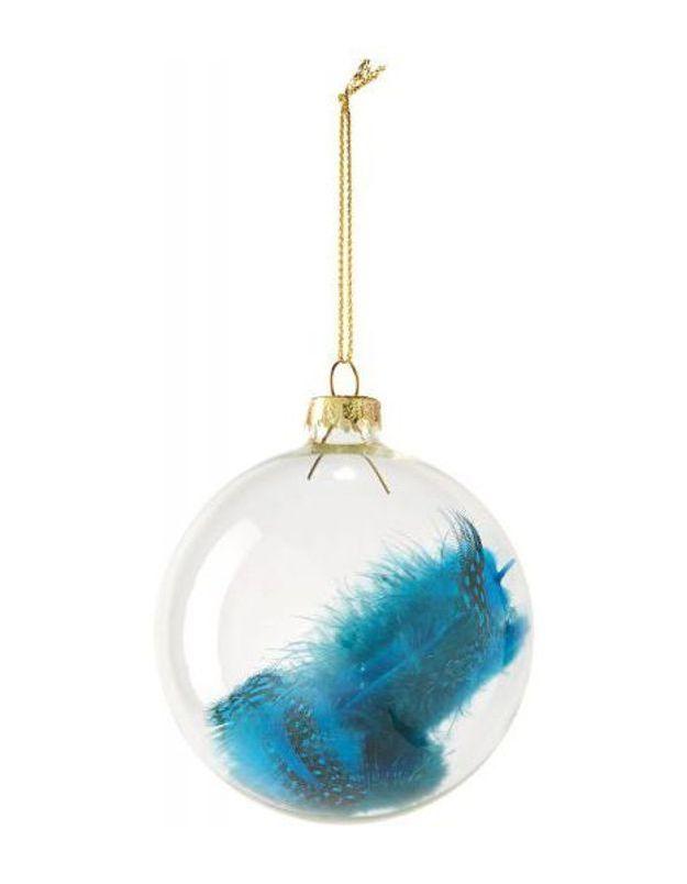 Boule de Noël en verre avec plume
