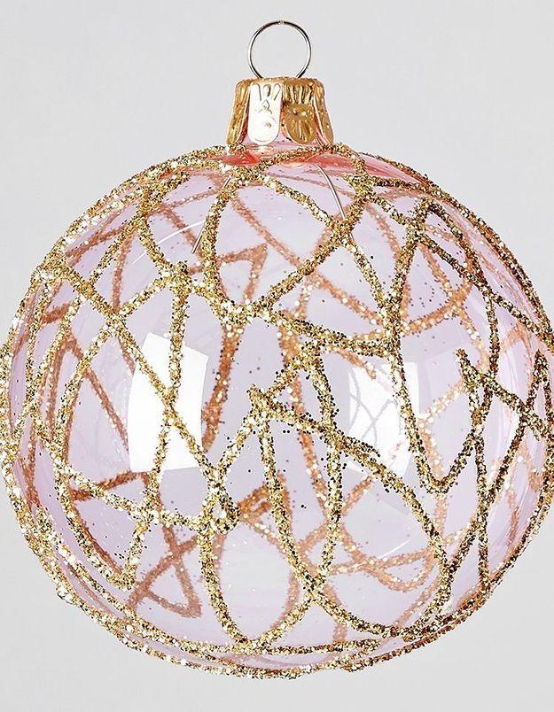 Boule de Noël en verre rose et dorée