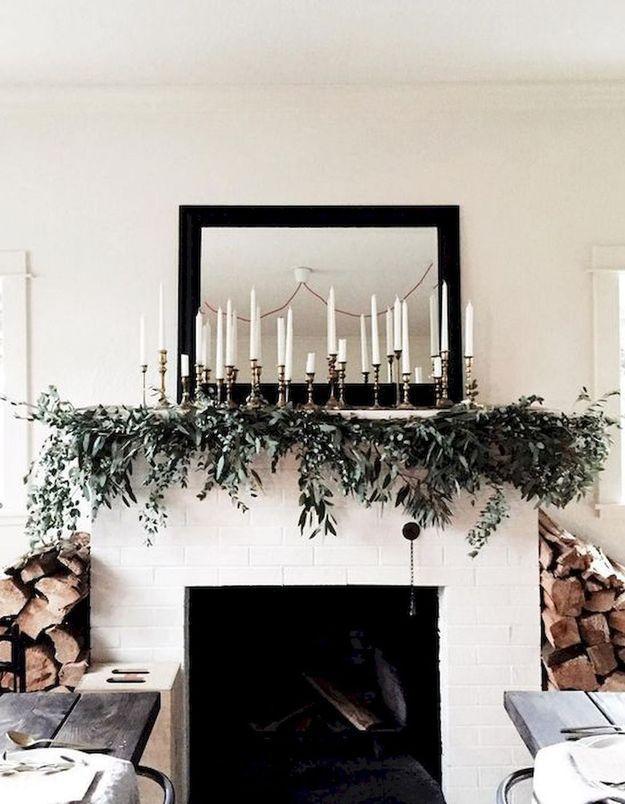 Une déco de noël pour la cheminée avec chandeliers