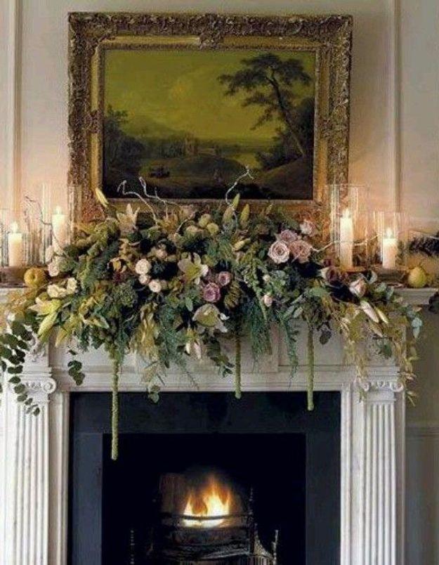 Une déco de noël pour la cheminée fleurie