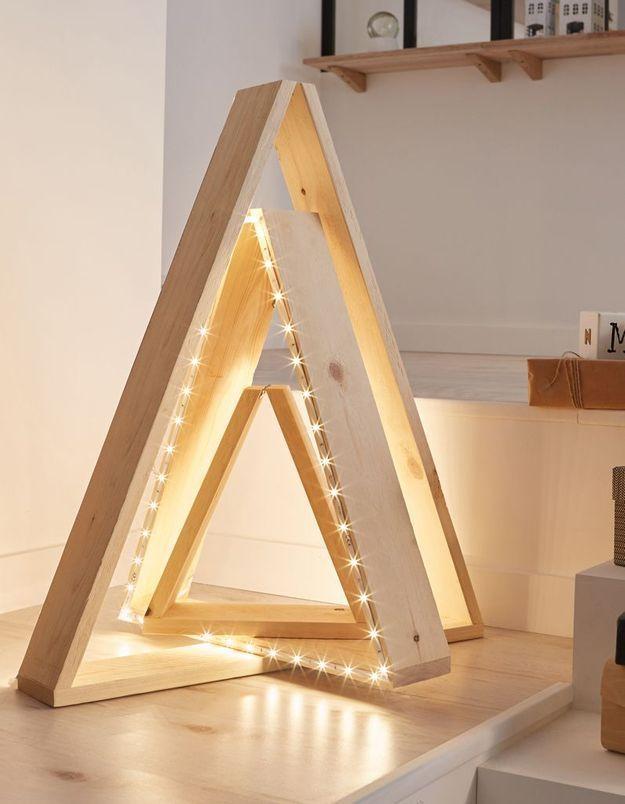 un sapin de no l en bois lumineux diy comment faire. Black Bedroom Furniture Sets. Home Design Ideas