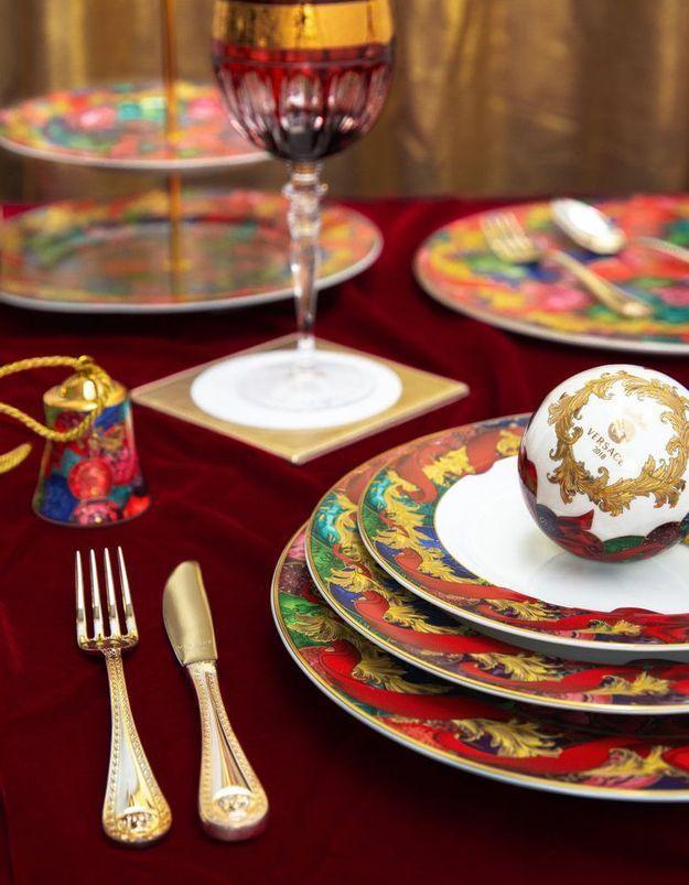 Vaisselle de Noël couture Versace Home