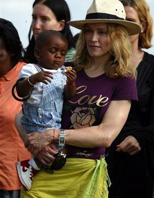 Adoption: les services sociaux malawites prochainement chez Madonna
