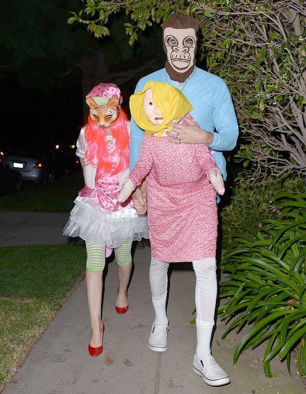 Le costume de Sacha Baron Cohen et Isla Fischer