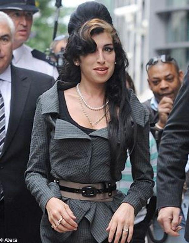 Amy Winehouse fête ses 26 ans au club de Jazz