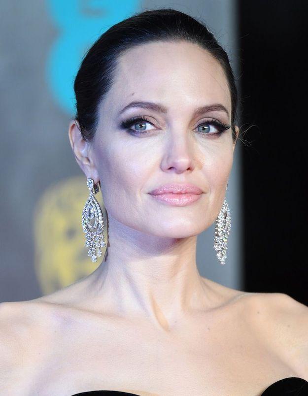 Angelina Jolie affirme que Brad Pitt ne lui a jamais versé de pension alimentaire