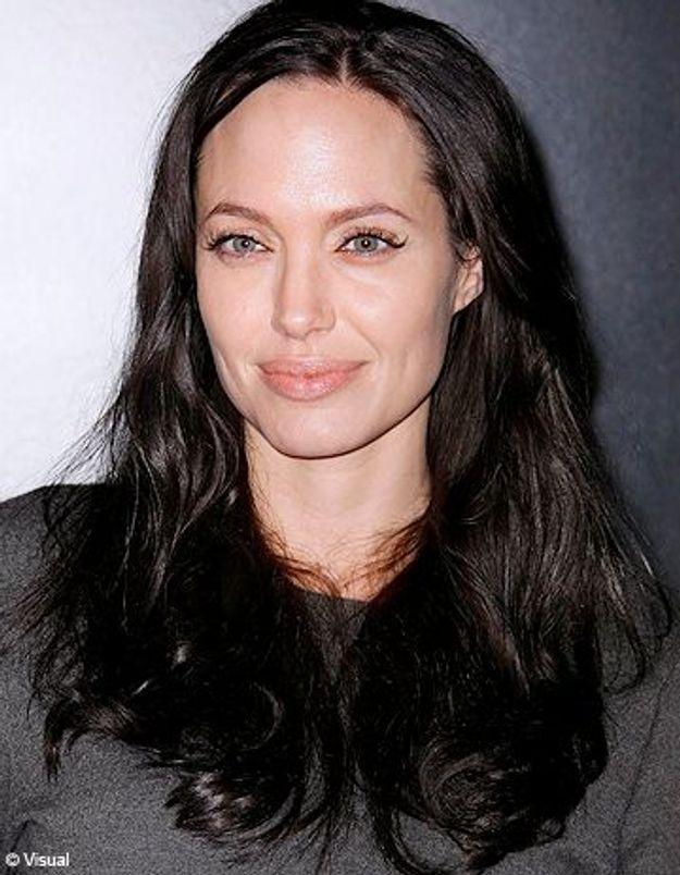 Angelina Jolie au chevet des enfants haïtiens