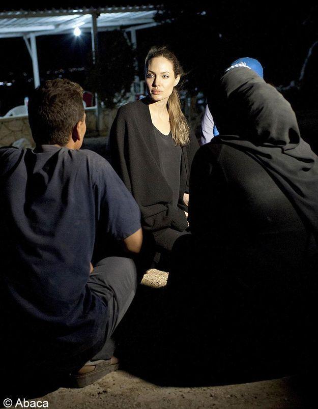 Angelina Jolie en larmes devant les réfugiés syriens