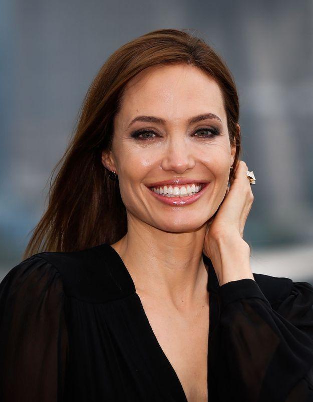 Angelina Jolie et son fils Knox Léon, complices dans les rues de Los Angeles