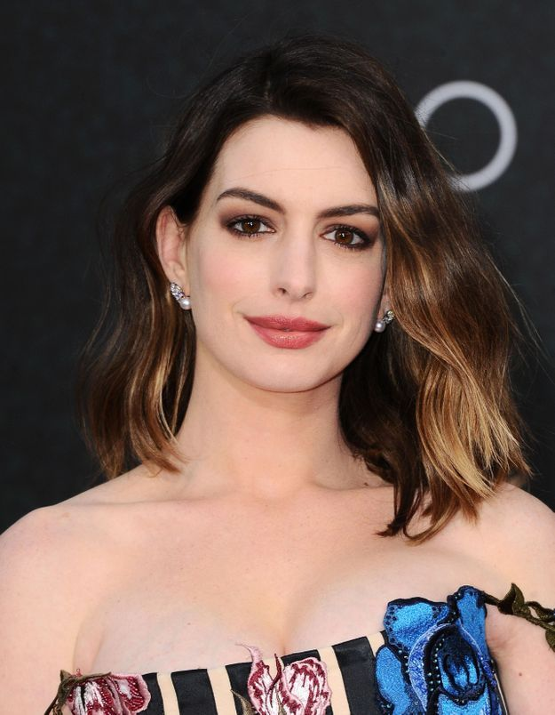 Anne Hathaway : son puissant message pour accepter son corps