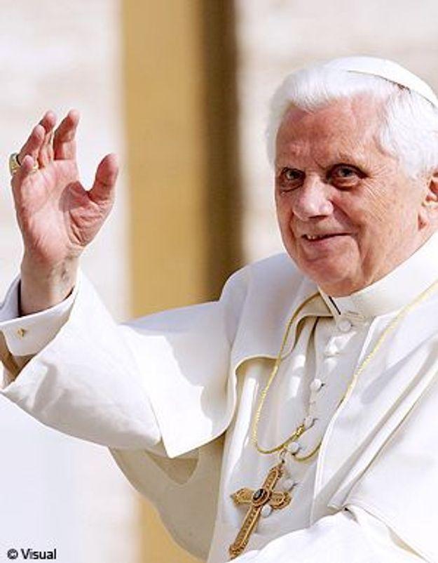 Benoît XVI en vacances  : nouvel héros de la téléréalité ?