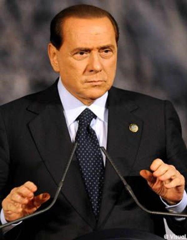 Berlusconi : l'escort girl, payée par les journalistes ?