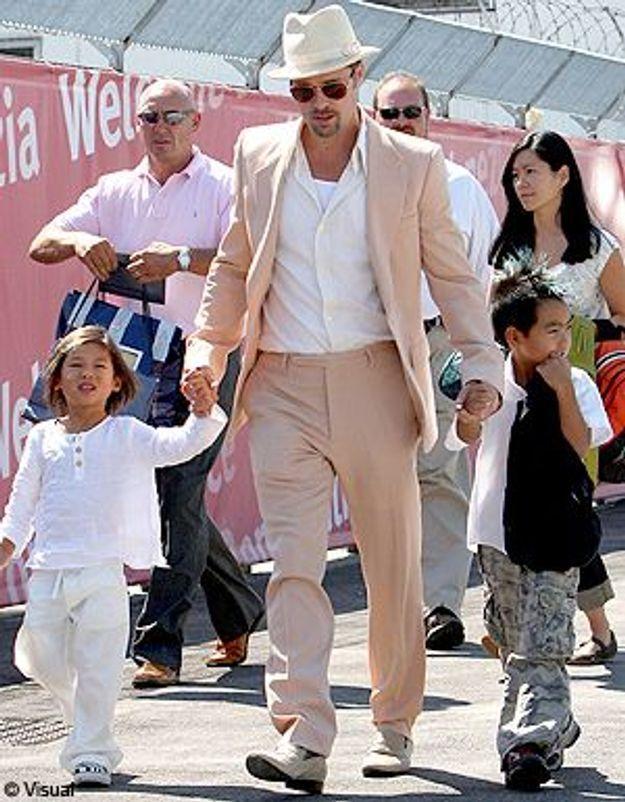 Brad Pitt à la sortie de l'école : une émeute !