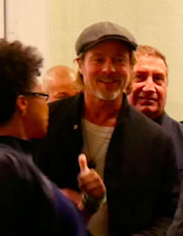 Brad Pitt souriant alors qu'on le dit en couple avec Charlize Theron : la photo tant attendue