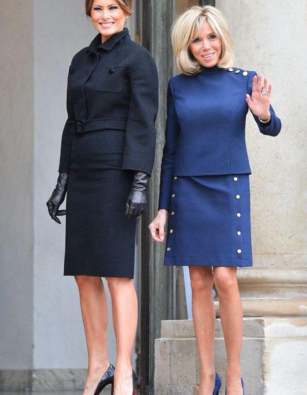 Bataille de total looks bleu et noir pour les premières dames