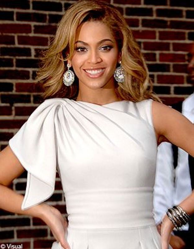 Buzz : Beyoncé se fait remplacer par son sosie !