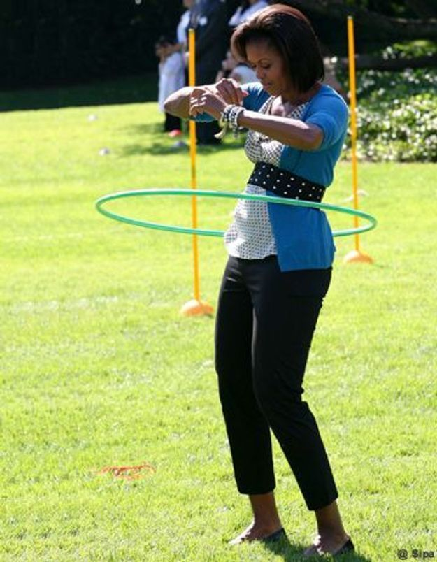 Buzz video : Michelle Obama fait du hula hoop