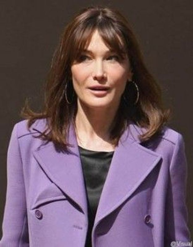 Carla Bruni-Sarkozy : des photos de famille volées chez le frère de son ex