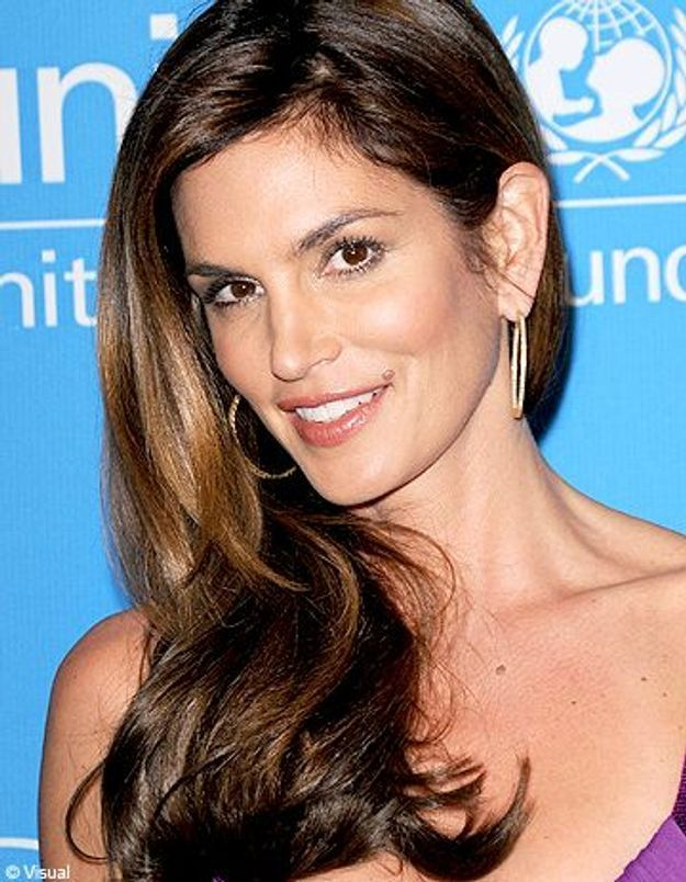 Cindy Crawford : elle adore ses rides !
