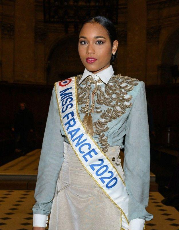 Clémence Botino (Miss France 2020) : elle était victime de moqueries au collège !