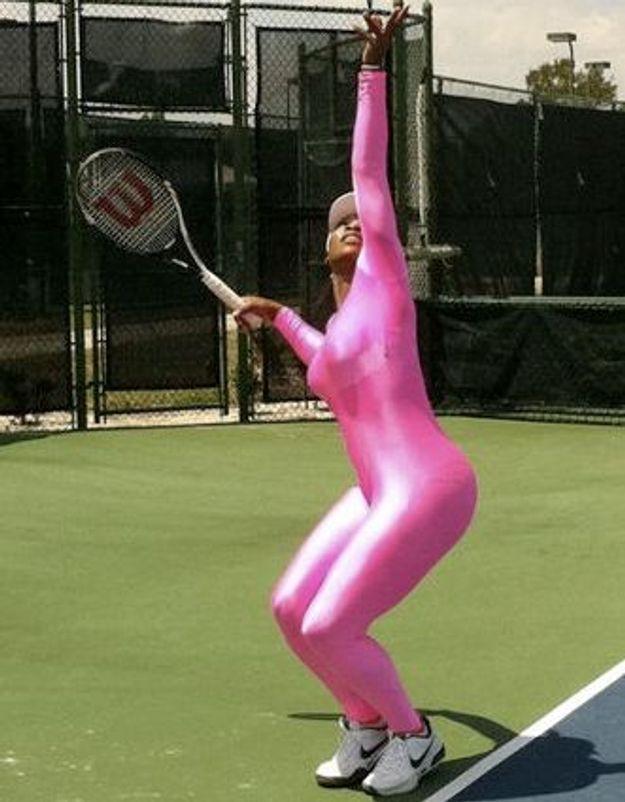 Color block : Serena Williams affiche la couleur