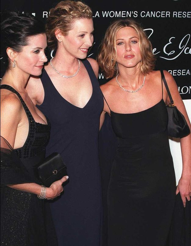 Complexée par Jennifer Aniston et Courteney Cox, Lisa Kudrow (Phoebe dans Friends) se rendait malade pour maigrir