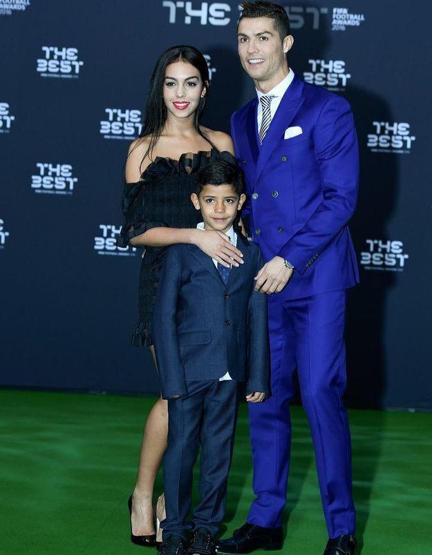 Cristiano Ronaldo : sa compagne enceinte dévoile officiellement son baby bump