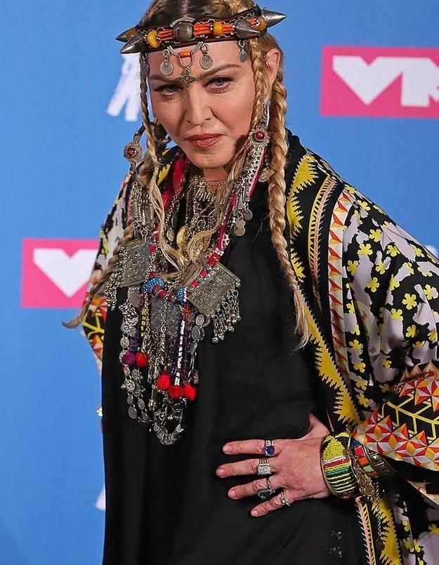 Critiquée sur ses implants fessiers, Madonna répond !