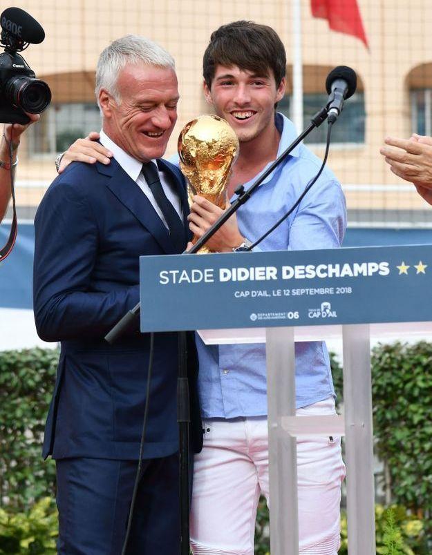 Dylan Deschamps, fier de remettre la Coupe du monde à son père