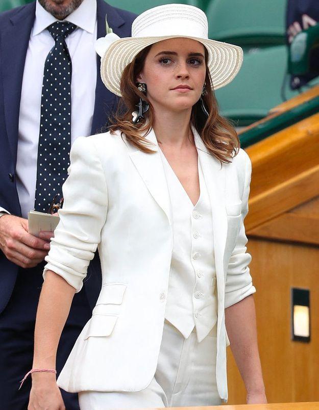 Emma Watson heureuse d'être en couple « avec elle-même »