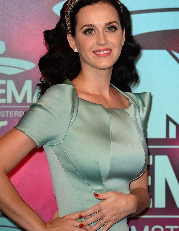 Et si Katy Perry s'était secrètement fiancée ?