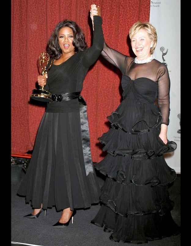 Hillary Clinton remet sa récompense à Oprah Winfrey