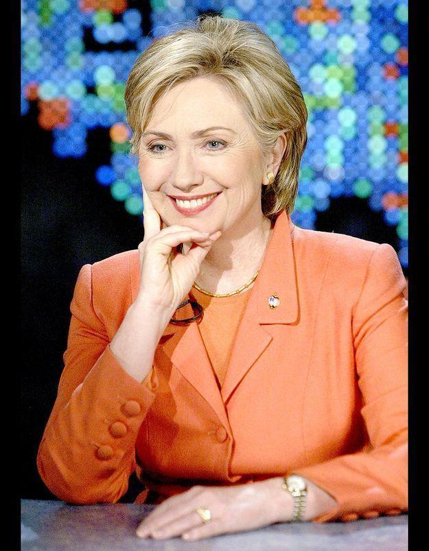 Hillary Clinton sort complètement de l'ombre de Bill Clinton
