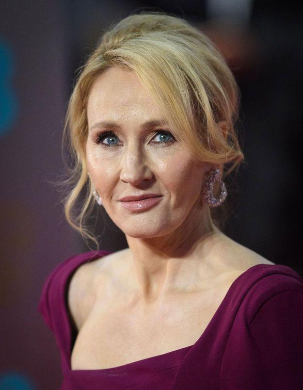 J. K Rowling dans la tourmente : la romancière révèle avoir été victime de violences conjugales