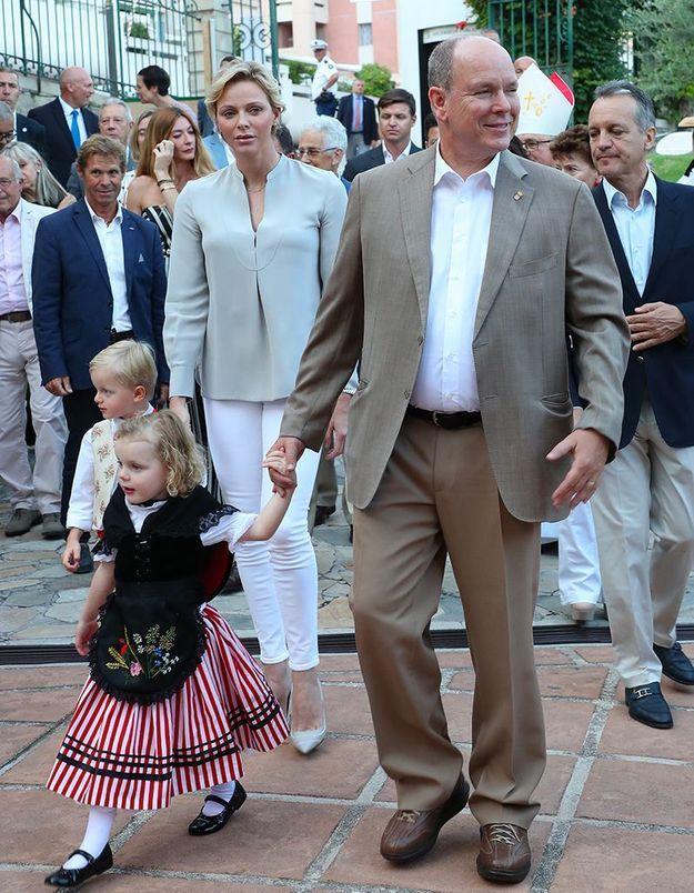 Le prince Albert, la princesse Charlène et leurs enfants, Jacques et Gabriella