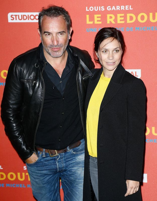 Jean Dujardin et Nathalie Péchalat : balade en amoureux à la plage