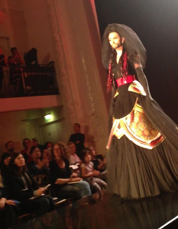 Conchita Wurst, star du défilé haute couture de Jean Paul Gaultier