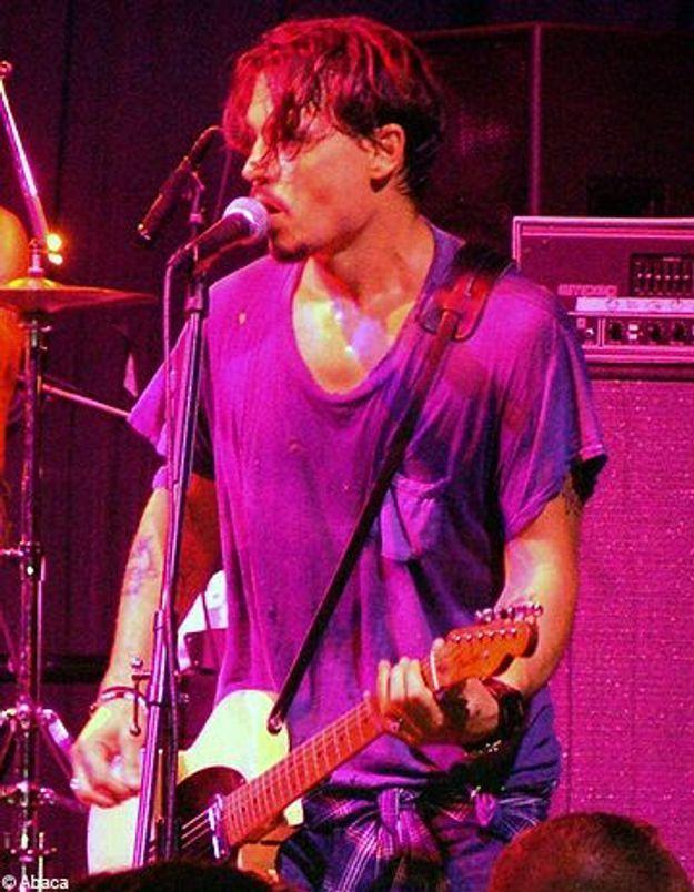 Johnny Depp : guitare à la main, il part en tournée !