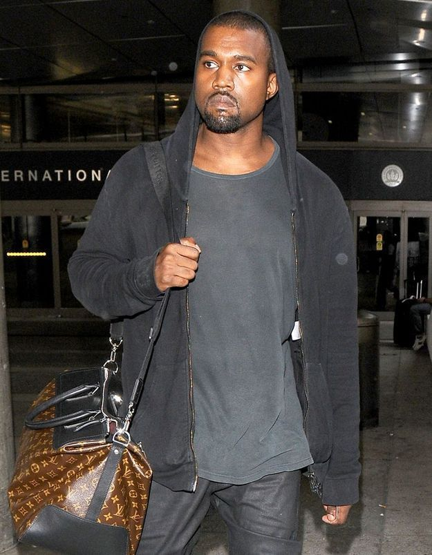Kanye West attaque un paparazzi