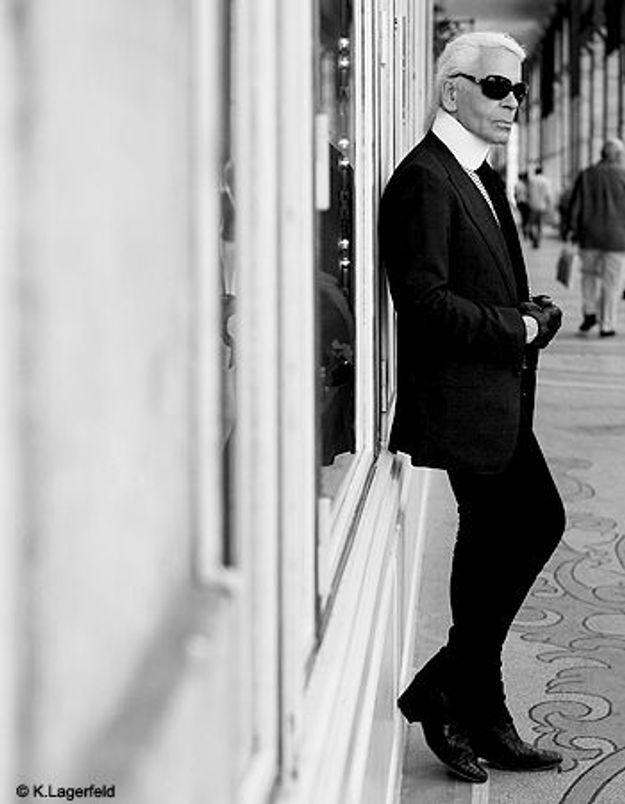 Karl Lagerfeld pousse la chansonnette
